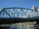 立派な鉄橋です…