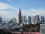 新宿の高層ビル群を眺める…